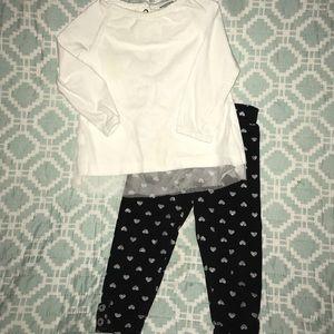 Carter's Black and white set ✨ 5️⃣ for $🔟 ✨
